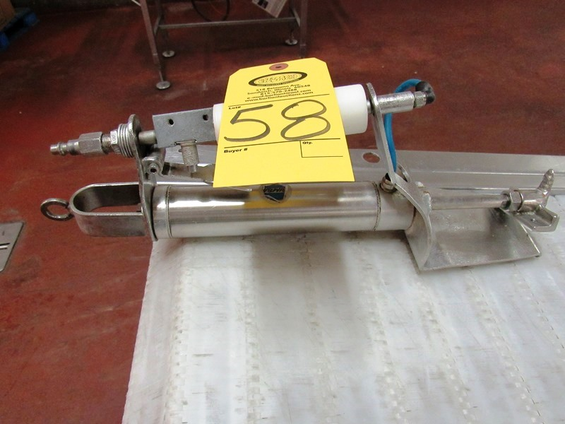 Lot 58 - Pneumatic Bacon Comb Puller ($25.00 Required Loading Fee- Rigger: Nebraska Stainless - Norm
