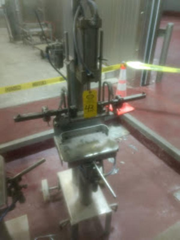 Lot 43 - Pneumatic Ham Mold Lid Closer, on wheels ($25.00 Required Loading Fee- Rigger: Nebraska