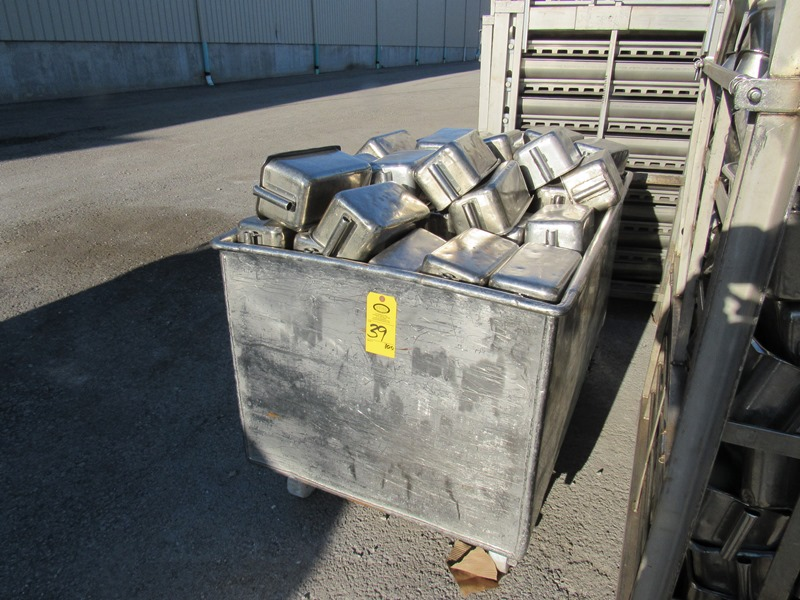 "Lot 39 - Stainless Steel Ham Molds, 6"" W X 12"" L X 5 1/2"" D, in stainless steel bin, 14 Pound Mold, mix of"