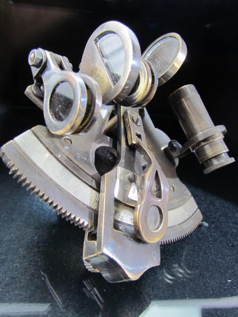 Lot 34 - Brass ships sextant