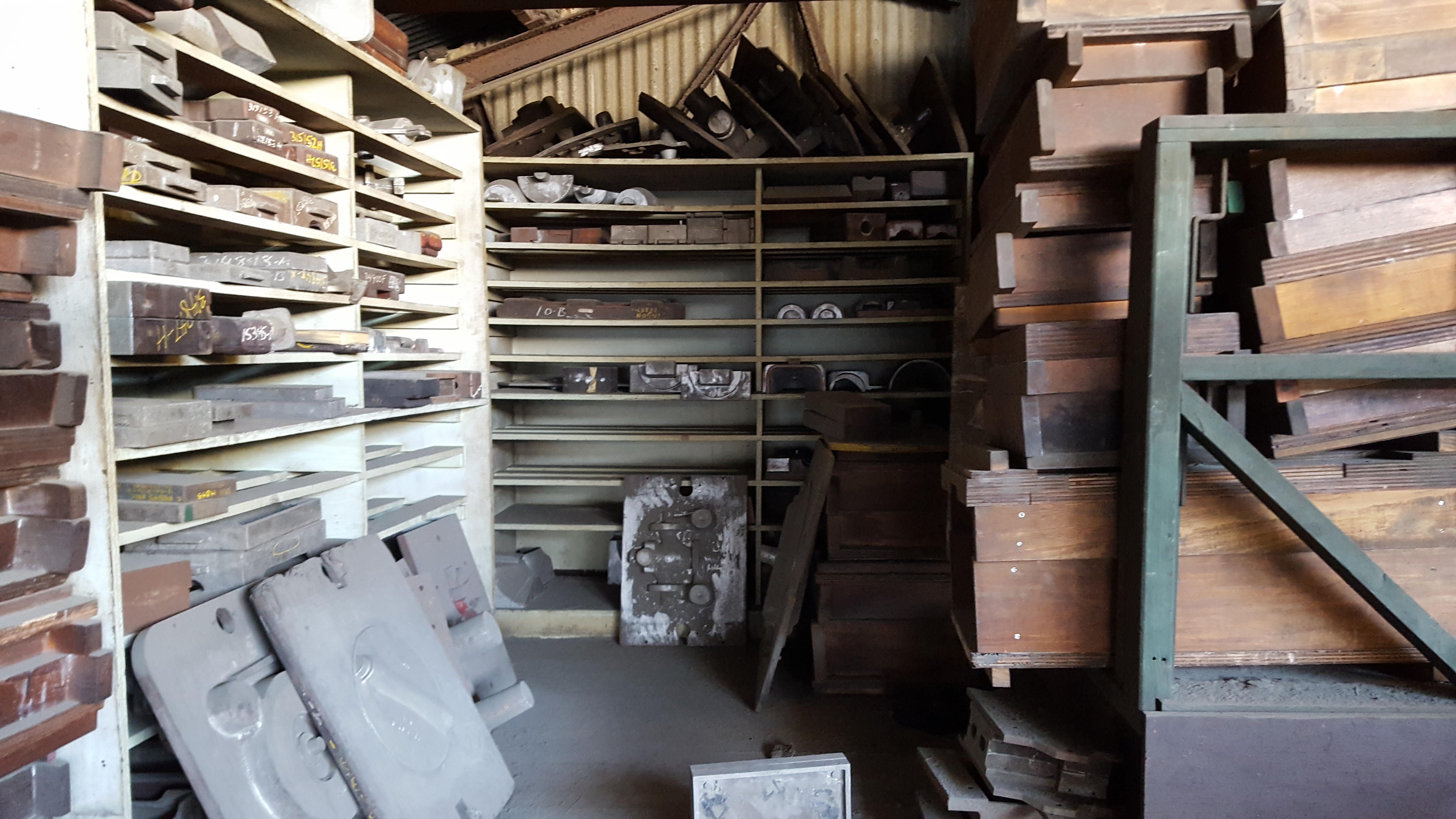 Lot 124 - ALL UPSTAIRS CONTENTS, MOLDS, ETC