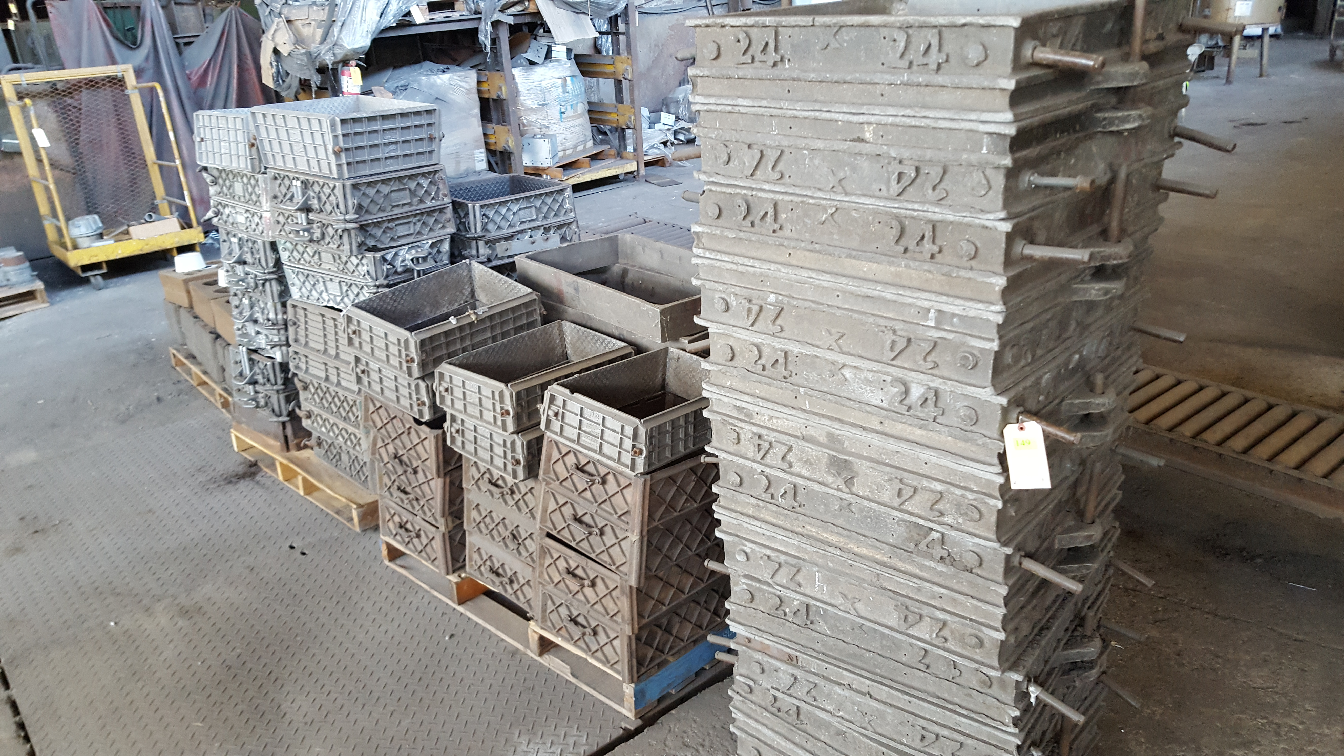 Lot 149 - CAST MOLDS IN 4 PALLETS
