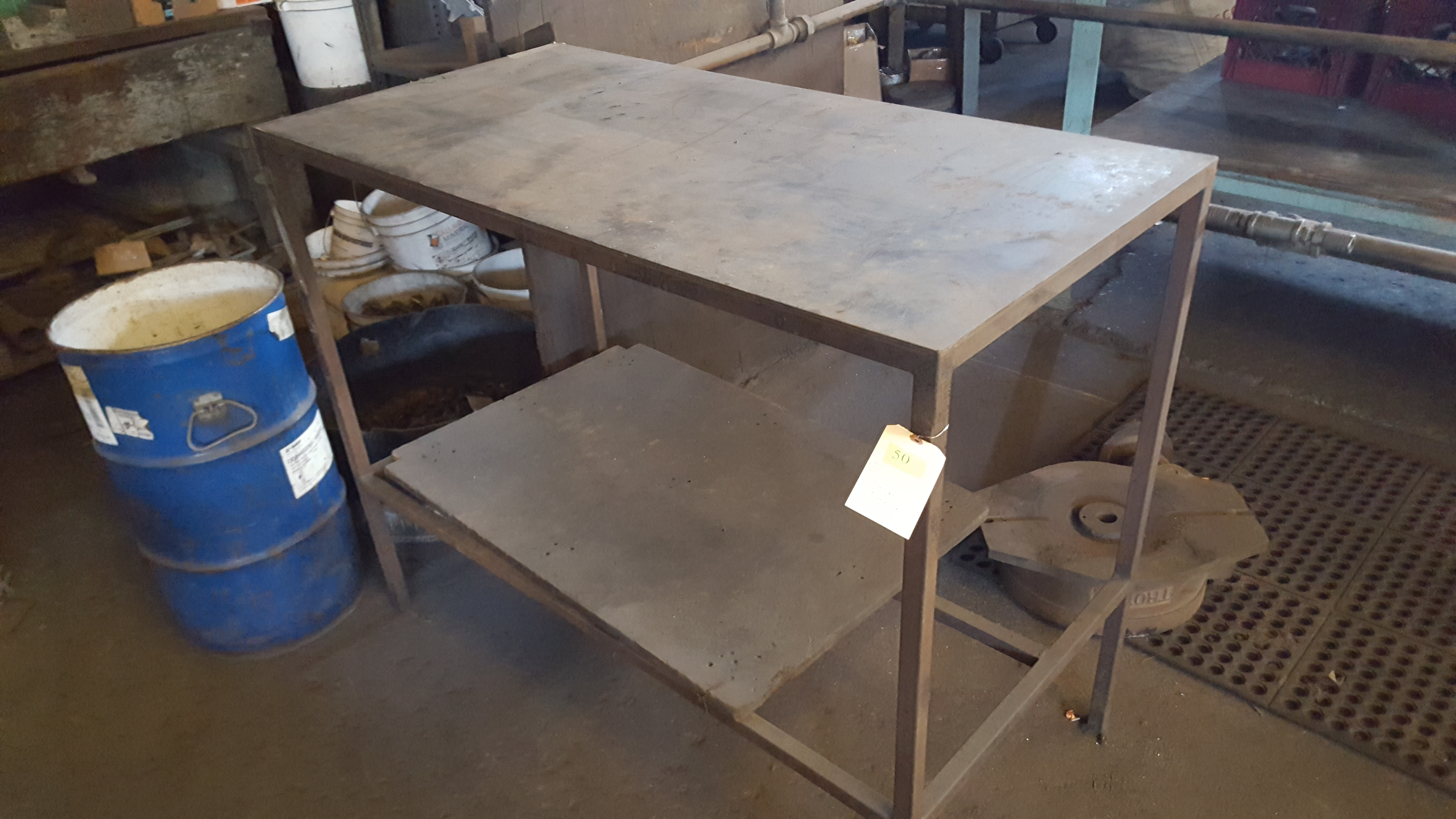 Lot 50 - METAL TABLE