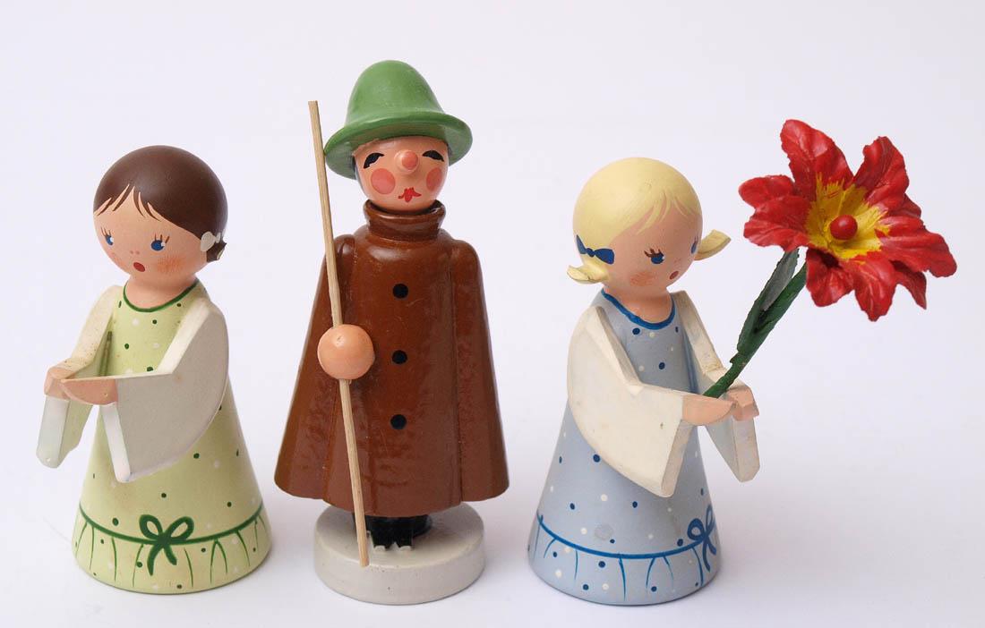 Los 36 - Drei Figuren, Erzgebirge Blumenmädchen, Engel und Schäfer. Unterschiedliche Größen.