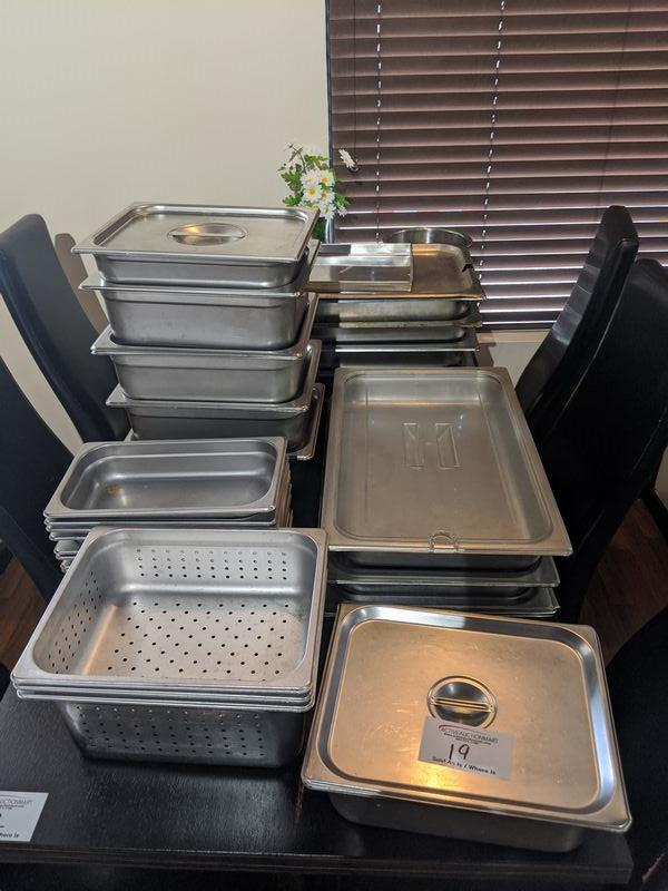 Table lot of Approx. 30 Inserts with Some Lids
