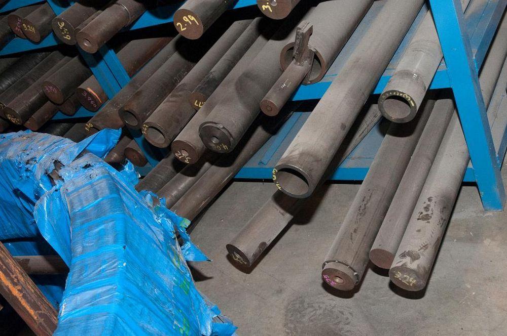 (2) Racks of Various Mandrels for Coiler - Image 5 of 5