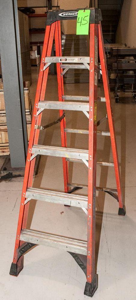 Werner 6' Fiberglass Step Ladder, 300 lb Cap.