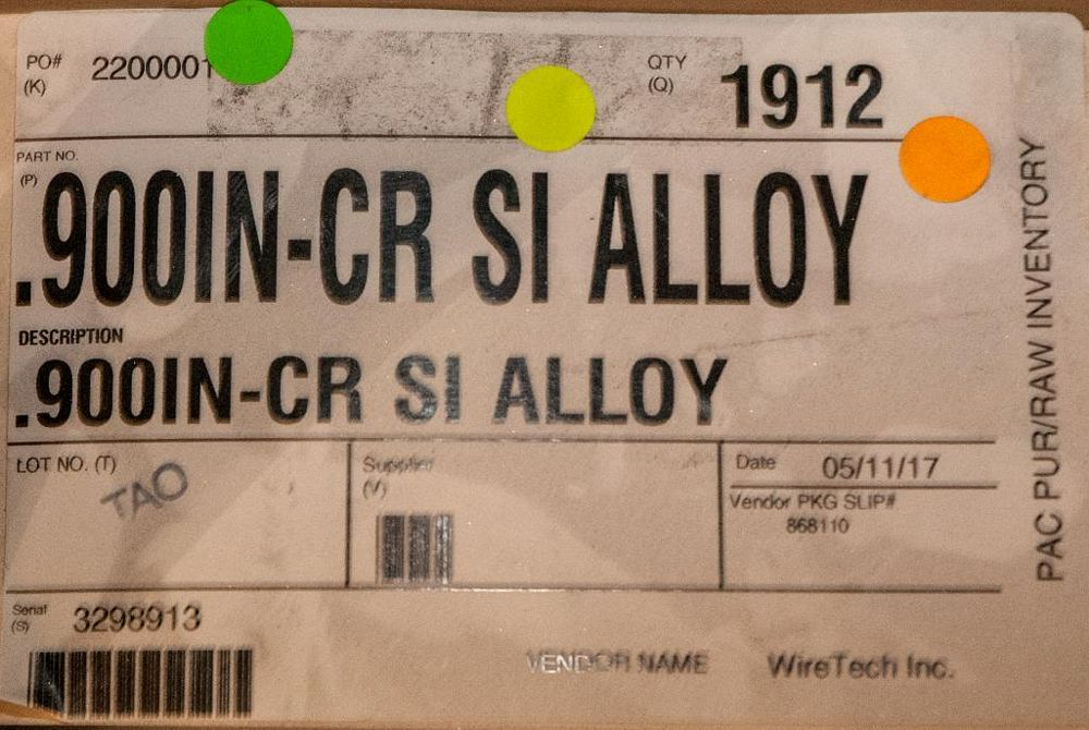 (2) Hats CR SI Alloy (1) .810 Diam. 1228 lbs. , (1) .900 Diam. 1912 lbs. Weights According to Tag, I - Image 3 of 3