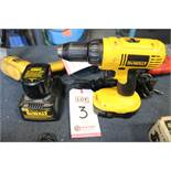 LOT - DE-WALT CORDLESS DRILL/DRIVER, W/ (2) BATTERIES AND CHARGER