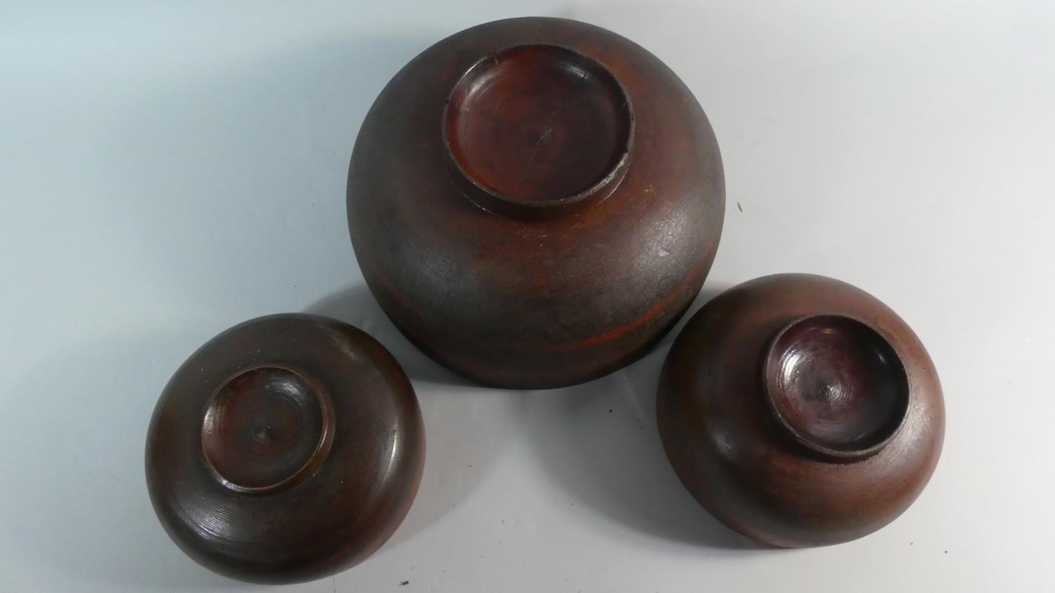 A Collection of Three Early 20th Century Indonesian Wooden Bowls with Original Polychrome Painted - Image 4 of 5