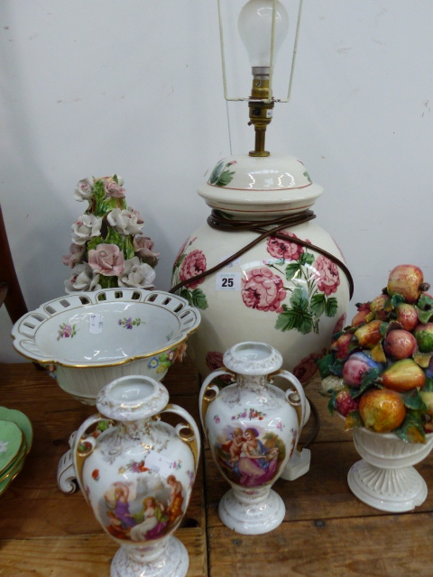 Lot 25 - A LARGE POTTERY TABLE LAMP, A PAIR OF PORCELAIN VASES,ETC.