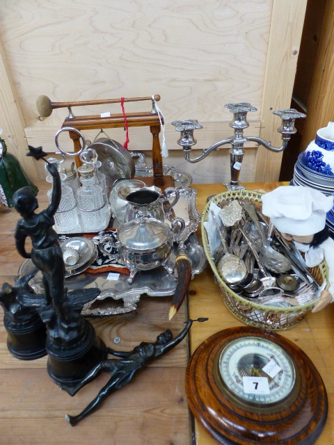 Lot 7 - A QTY OF PLATEDWARE,ETC.
