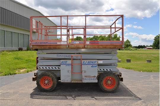SKYJACK ROUGH TERRAIN SCISSOR LIFT, MODEL SJ8241F, 800