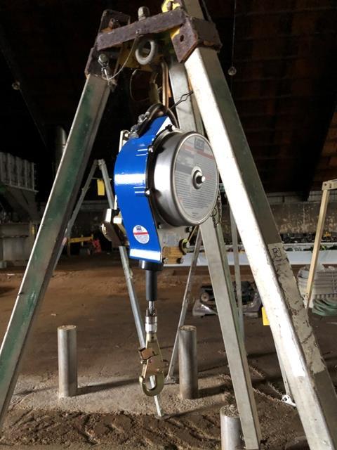 Capital Safety Tripod Chain Hoist, S/N #084061, Model #3400115, DOM = 2007 - Image 2 of 5