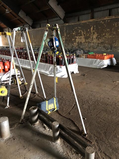 Capital Safety Tripod Chain Hoist, S/N #084061, Model #3400115, DOM = 2007 - Image 5 of 5