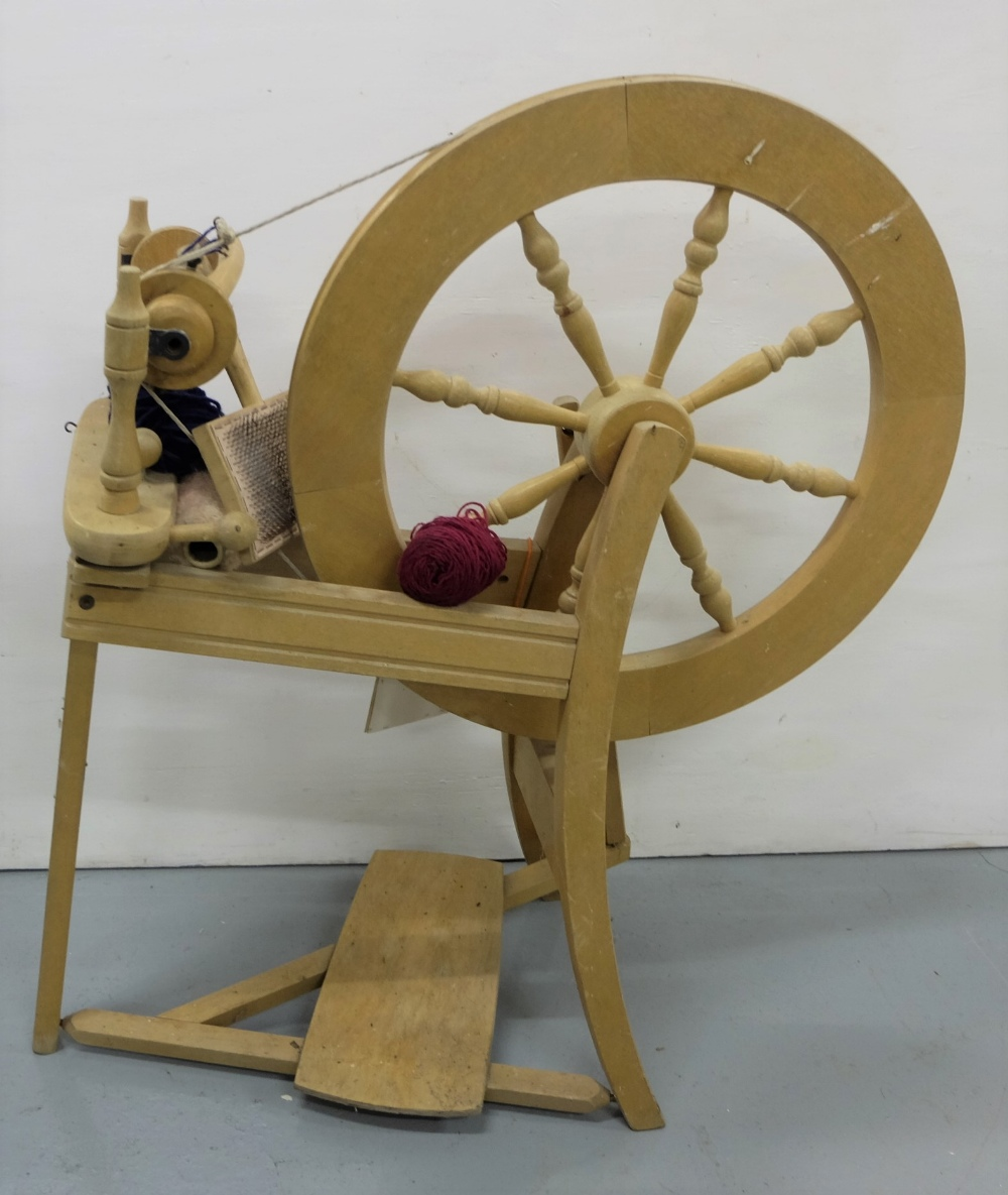 """Lot 15 - """"Ashford"""" Cottage Spinning wheel, with wool card"""