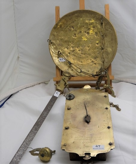 "Lot 47 - Salters No. 60 Trade Spring Balance, along with a brass pan and hanging chains and ""Portata"""