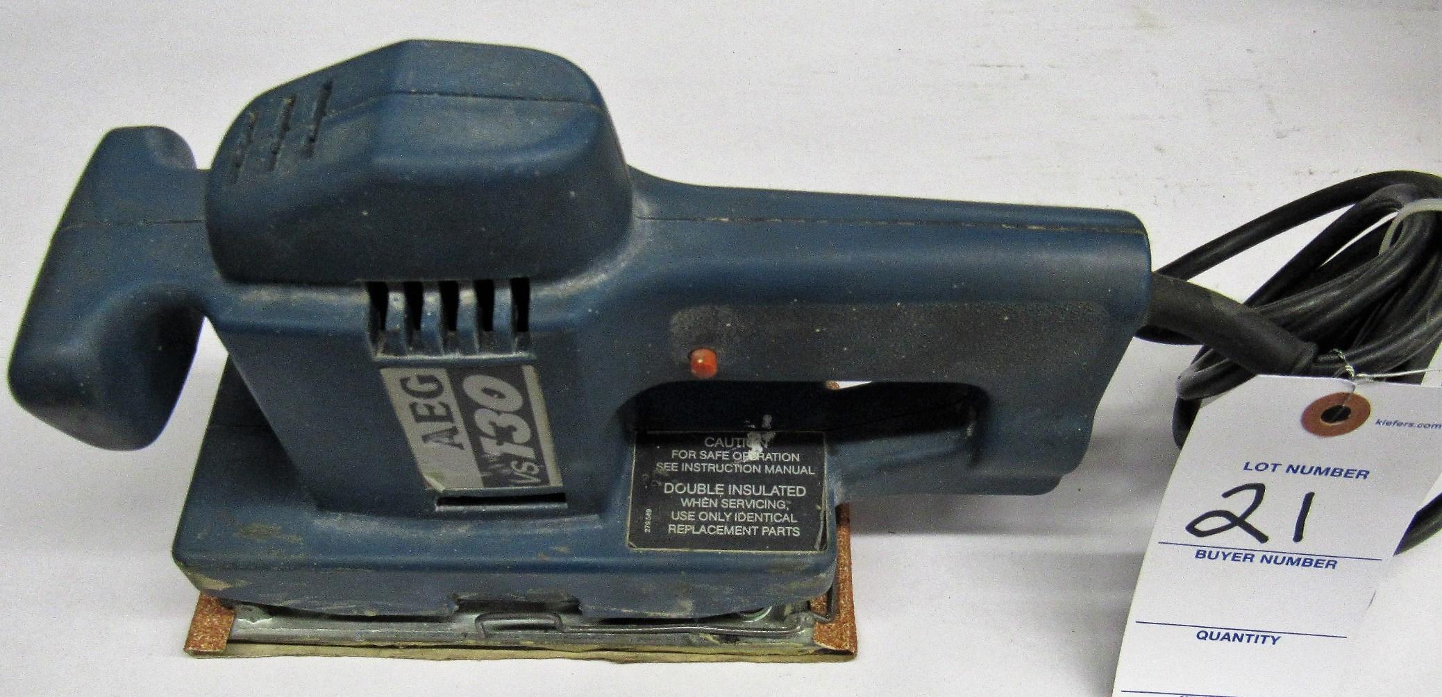 Lot 21 - AEG Mod.VS130 Oribital Sander