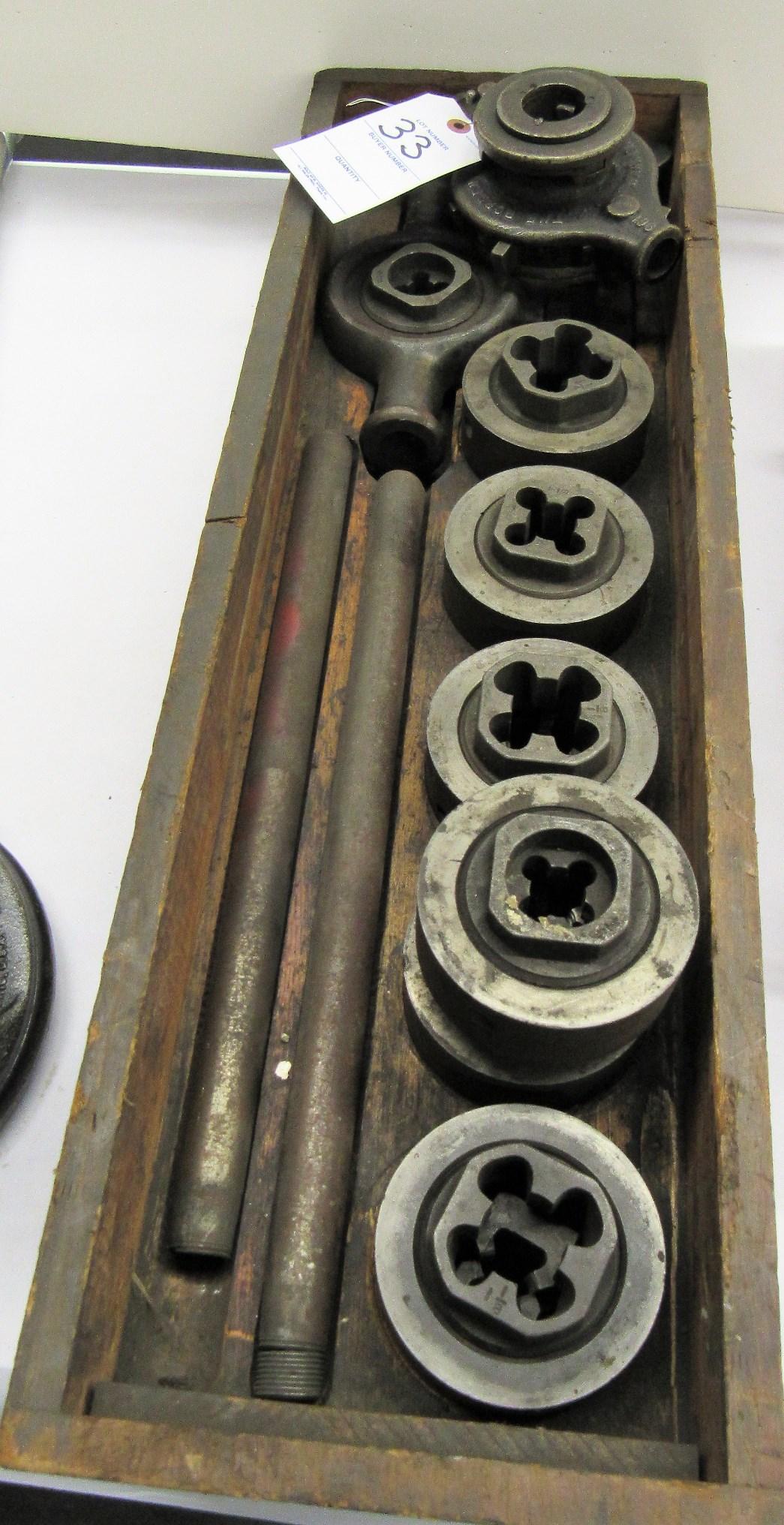 Lot 33 - Pipe Threading Set