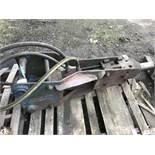 Hydraulic breaker on 50mm pins