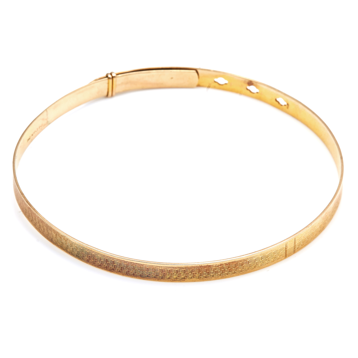 Los 339 - AN ANTIQUE GOLD DOG COLLAR in 9ct yellow gold, with engraved details to the front of the collar,
