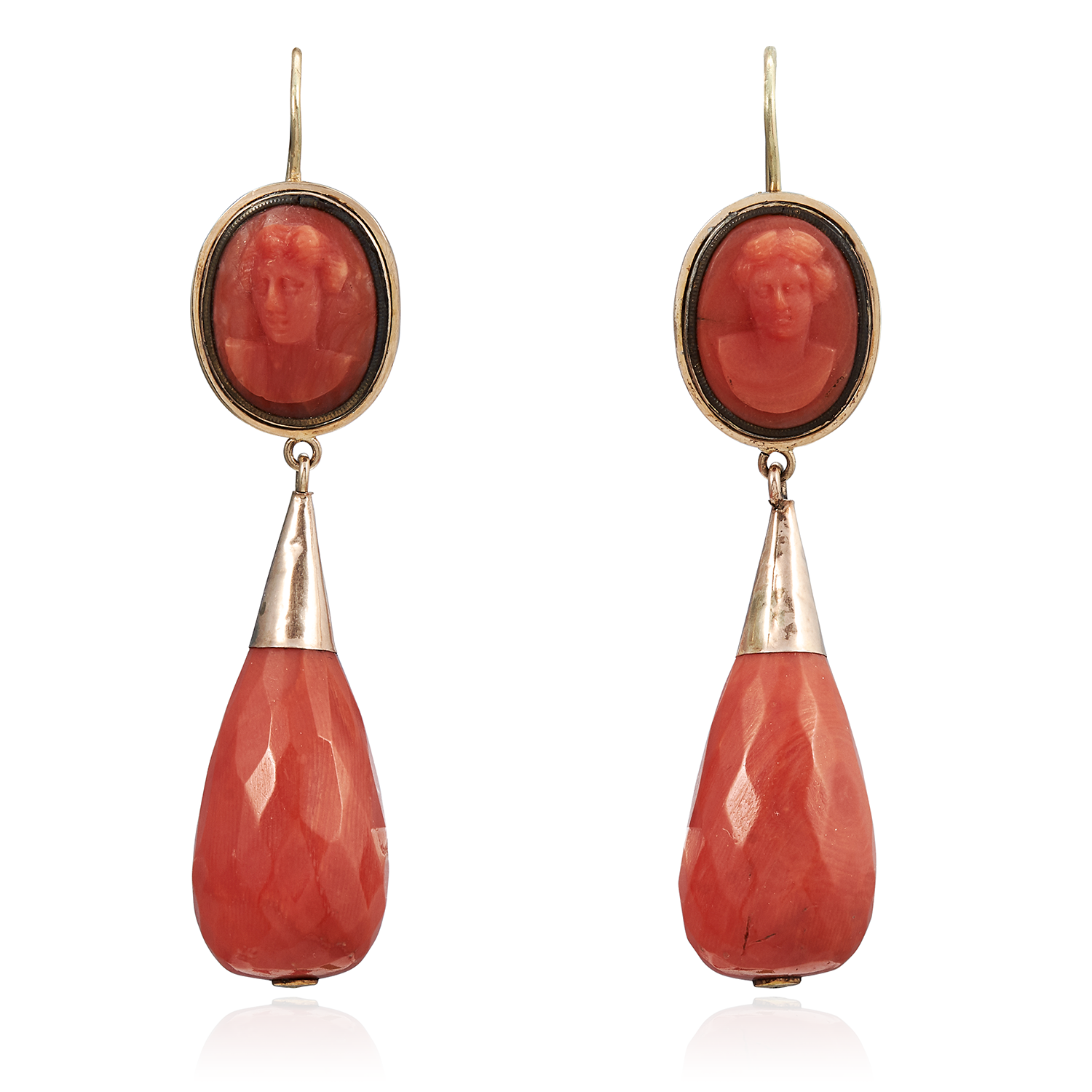 Los 44 - A PAIR OF ANTIQUE CORAL CAMEO DROP EARRINGS, EARLY 19TH CENTURY in high carat yellow gold, each