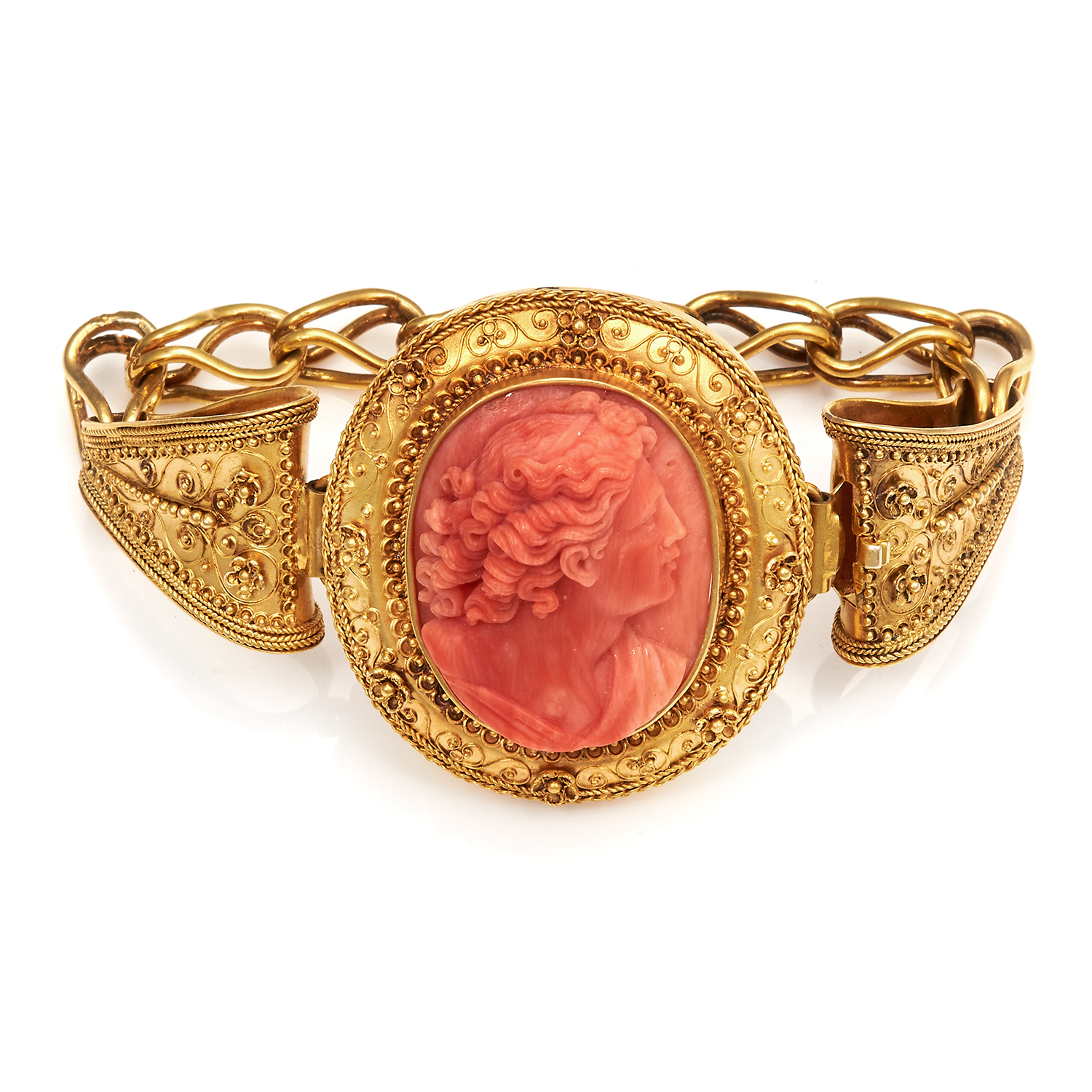 Los 43 - AN ANTIQUE CORAL CAMEO BRACELET, 19TH CENTURY in high carat yellow gold, set with an oval carved