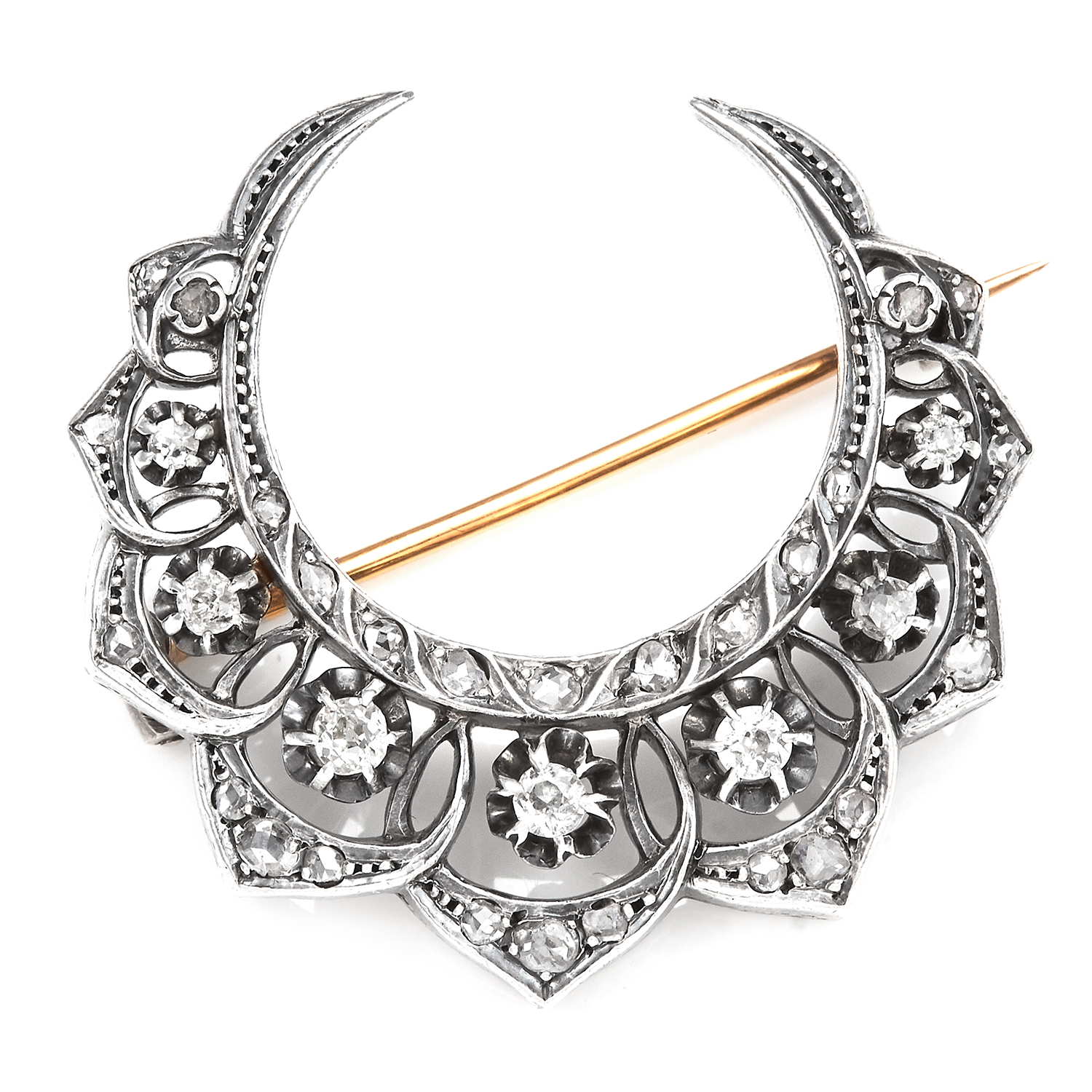 AN ANTIQUE DIAMOND CRESCENT BROOCH in 18ct yellow gold and silver, designed as a crescent jewelled