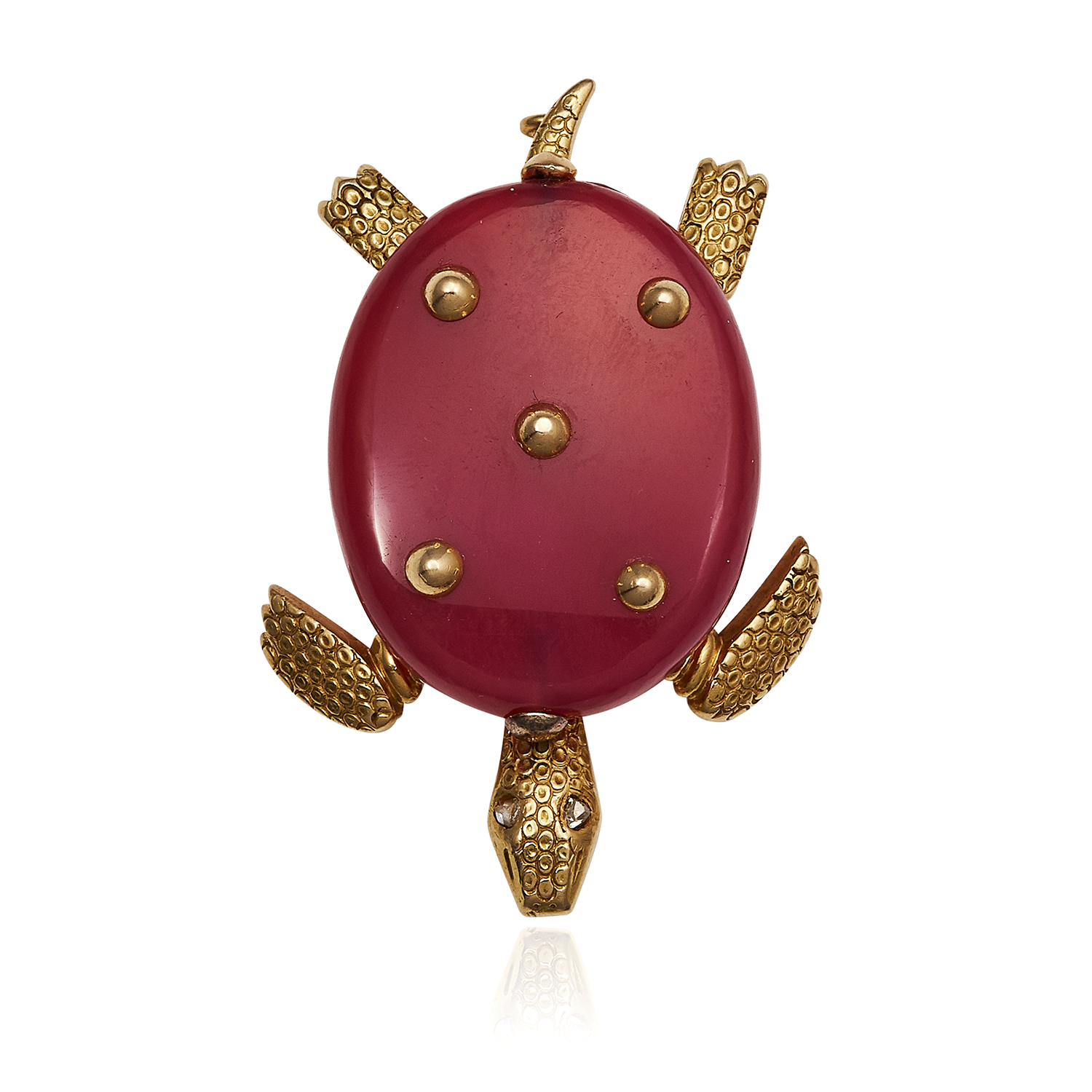 Los 54 - A DIAMOND AND CARNELIAN TURTLE BROOCH, CARTIER CIRCA 1950 in 18ct yellow gold deigned as a turtle,