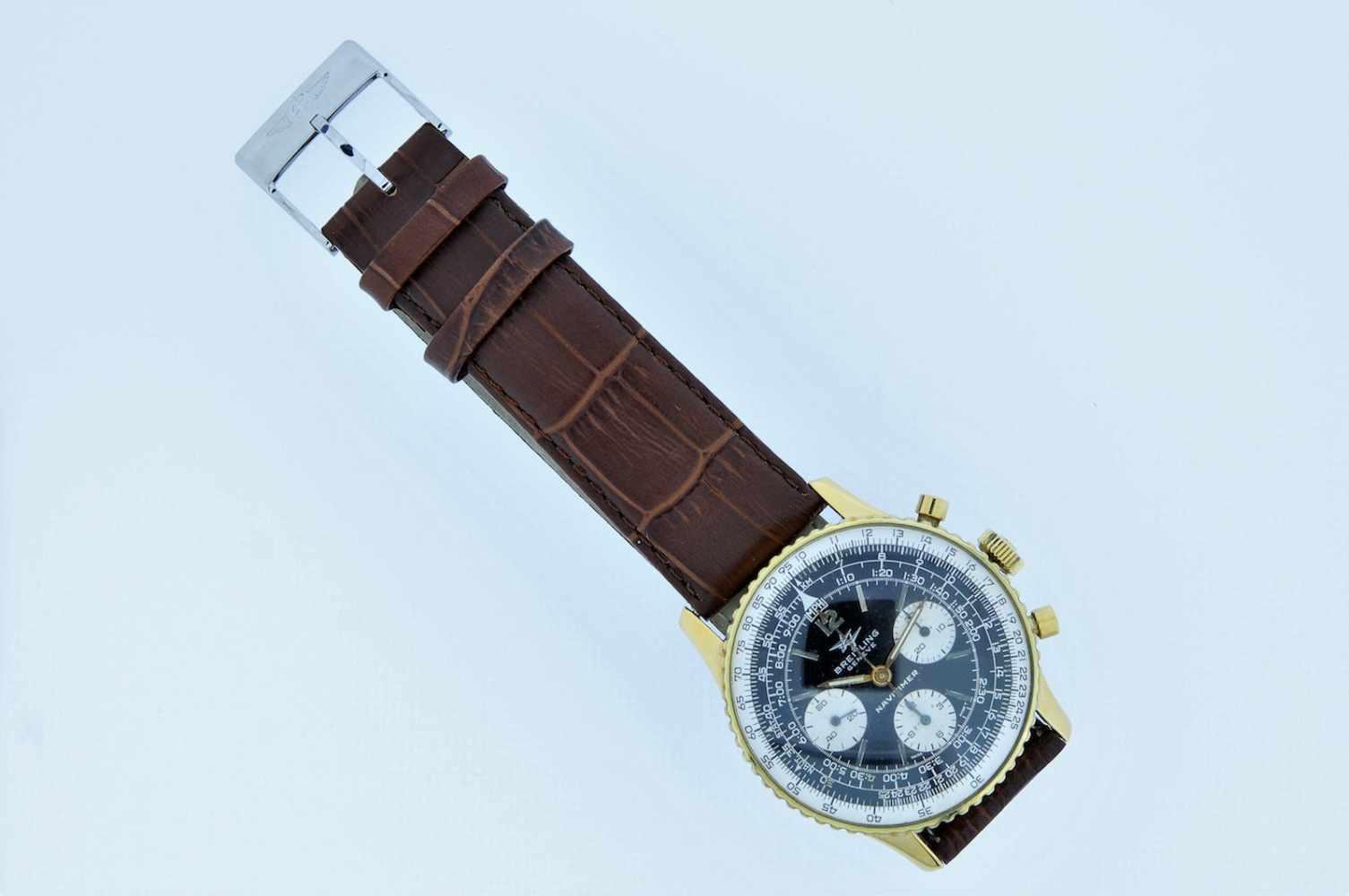 Breitling Stahl vergoldete Armbanduhr an Lederband, Breitling Navitimer, Fliegerchronograph, - Bild 3 aus 5