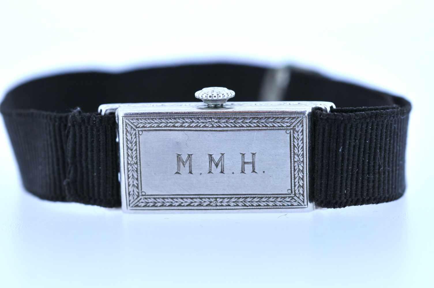 Damenuhr Art-Deco Platin Damenuhr mit Achtkantdiamanten, zus.ca. 0,60 ct, Handaufzug, Ankerwerk, - Bild 2 aus 4