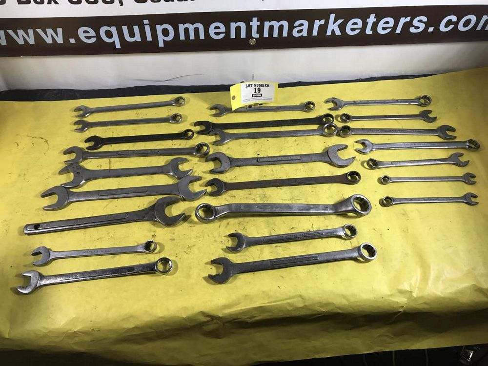 Lot 19 - Assorted Wrenches