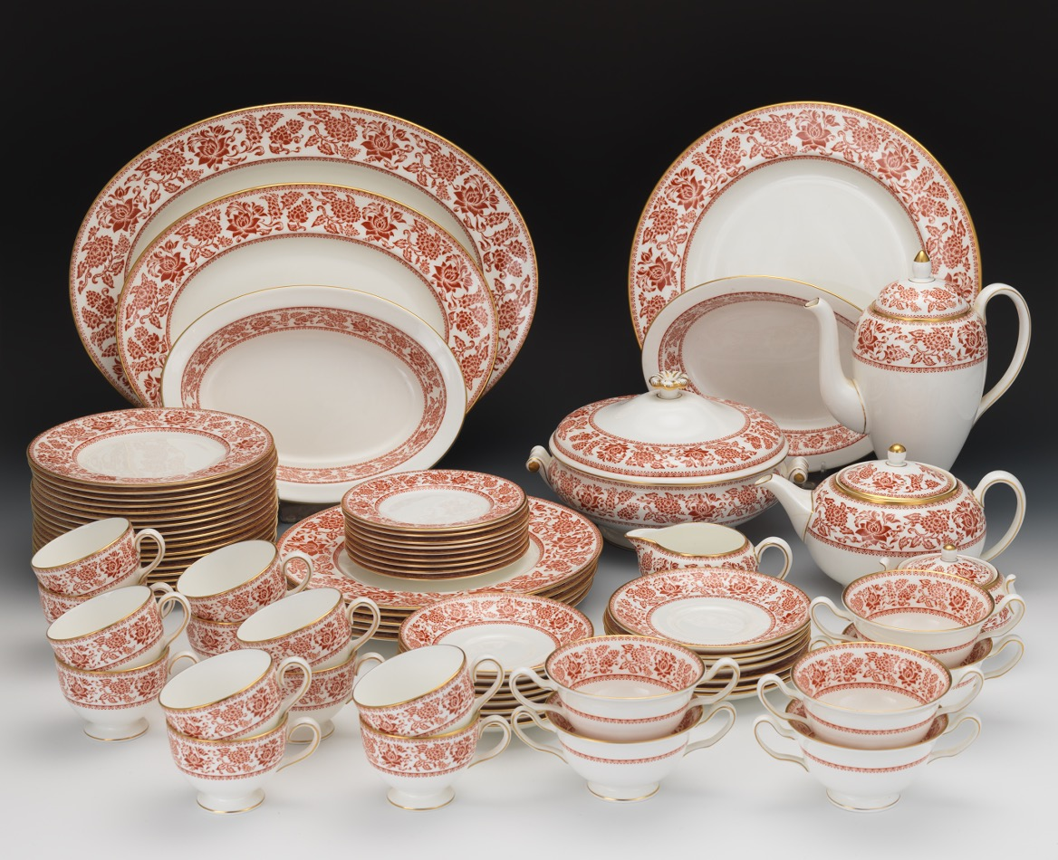 wedgwood red damask china service set of wedgwood bone china mixed set in the red damask patt. Black Bedroom Furniture Sets. Home Design Ideas