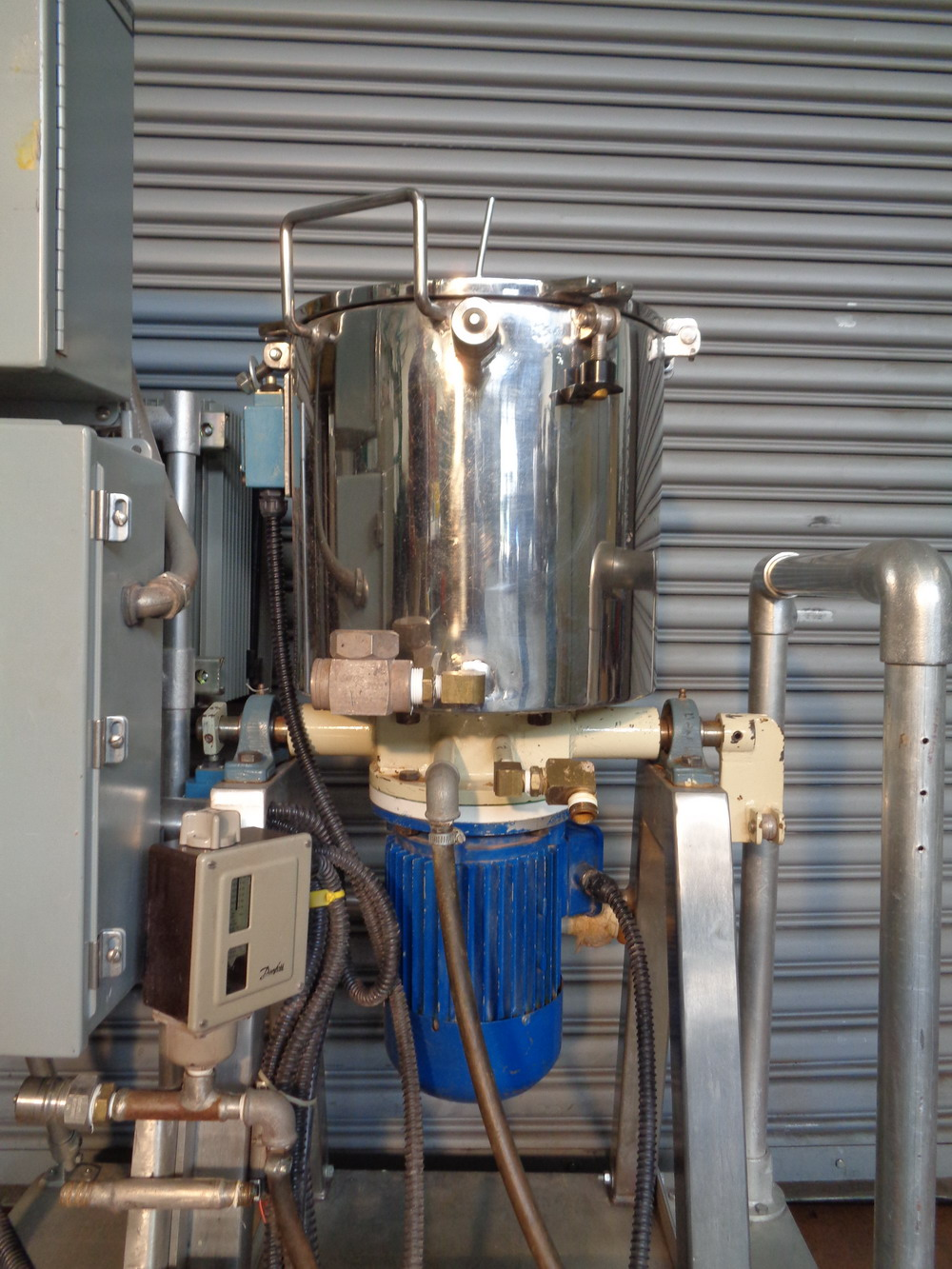 Dosapak 5 gallon Stainless Steel Vertical Powder Mill - Image 4 of 5