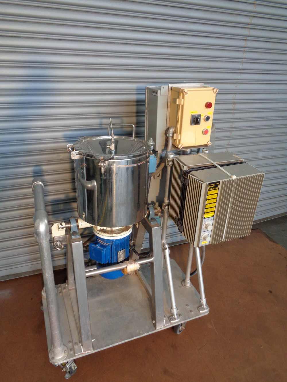 Dosapak 5 gallon Stainless Steel Vertical Powder Mill - Image 2 of 5