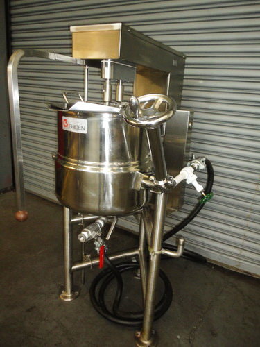 Groen 10 Gallons (40 Quarts) type 316SS SS Jacketed Double Motion Scraper Kettle - Image 6 of 10