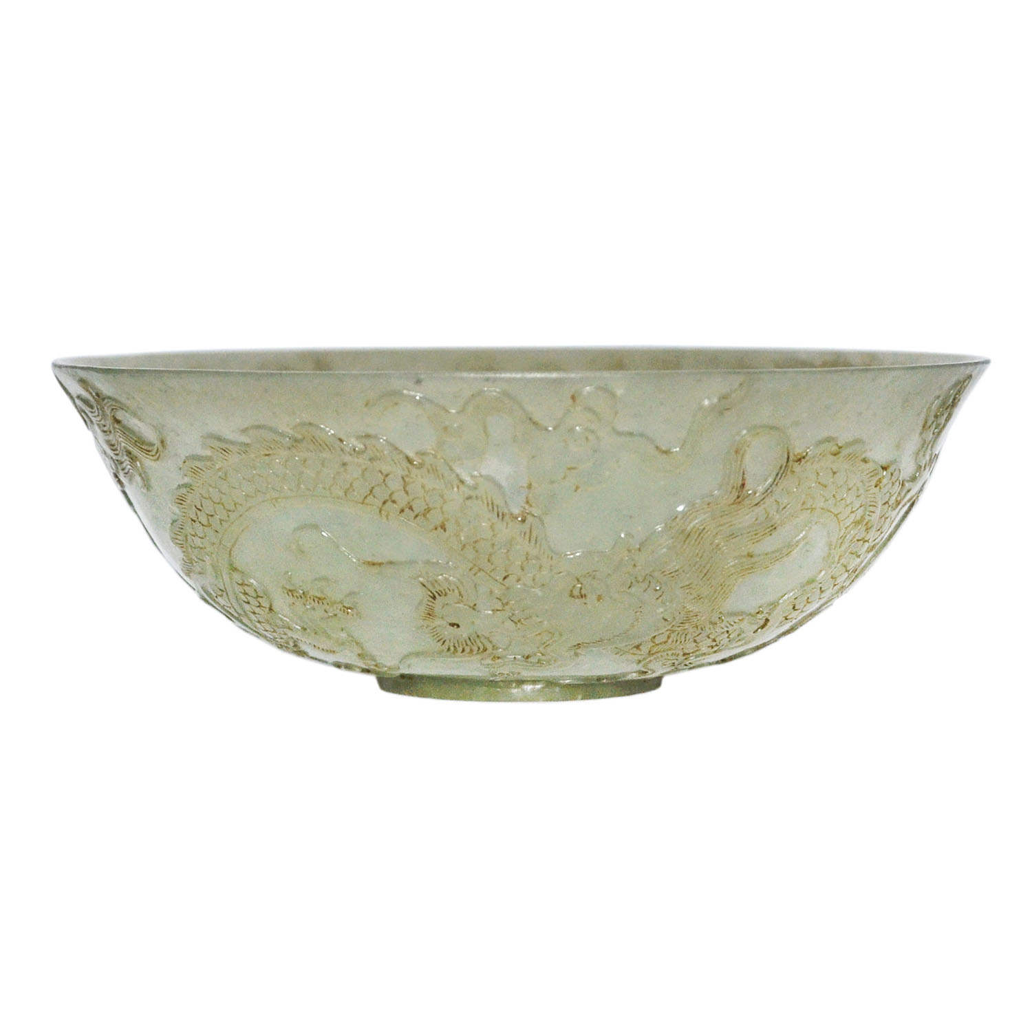 Lot 47 - 玉雕雙龍戲珠碗 A Well Carved Jade Bowl Shallow relief carved with dragons chasing flaming pearl on the
