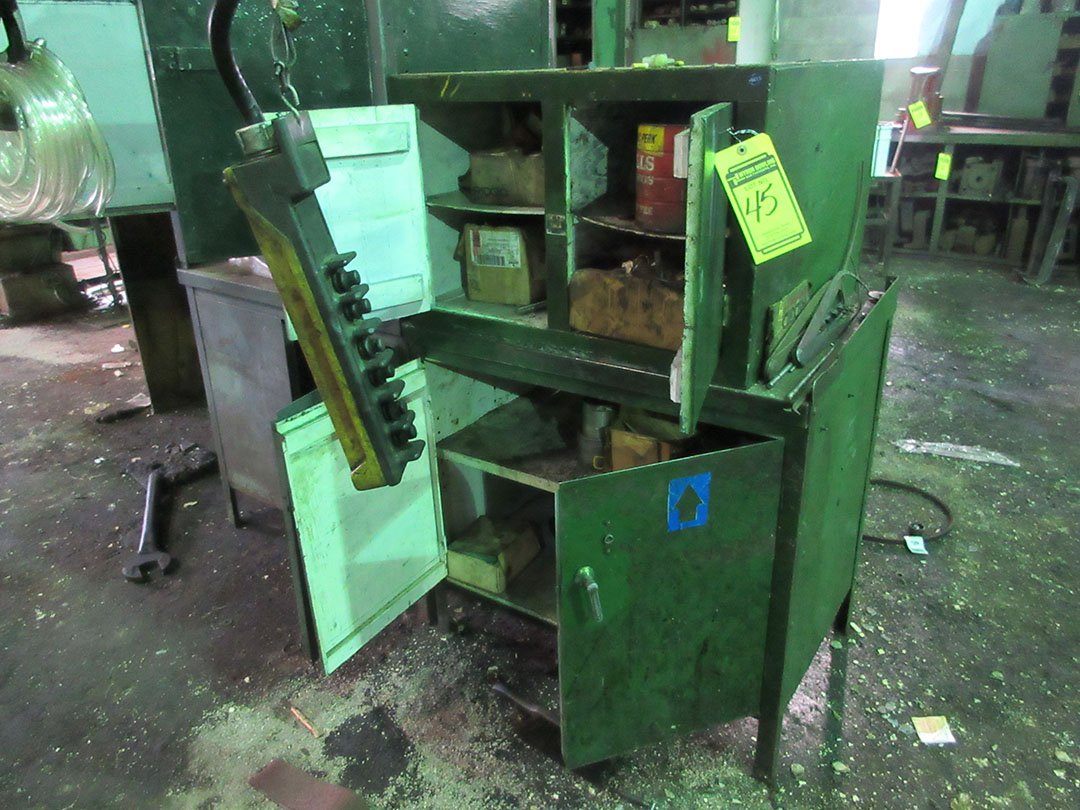 Lot 45 - WORK BENCH & CABINETS WITH CONTENTS