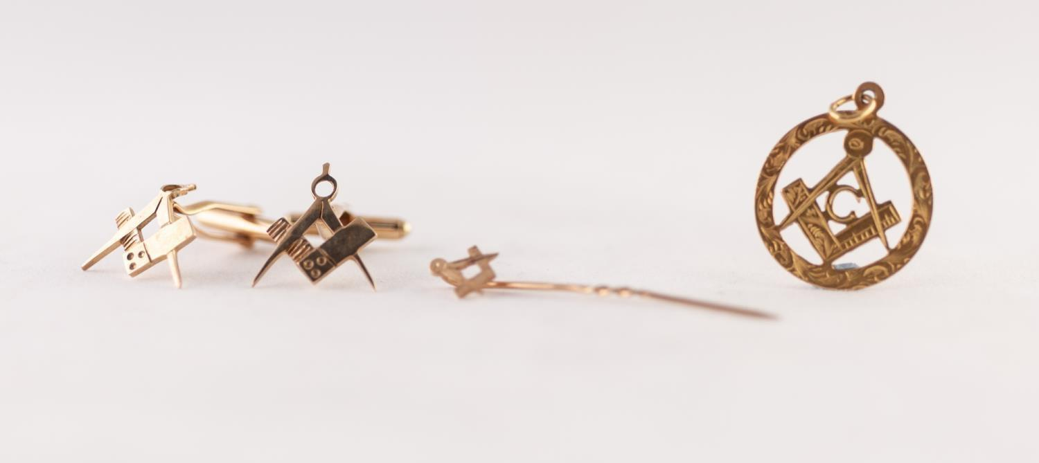 PAIR 9ct GOLD MASONIC SQUARE AND COMPASS CUFFLINKS, A MASONIC STICK PIN AND A 9ct GOLD MASONIC
