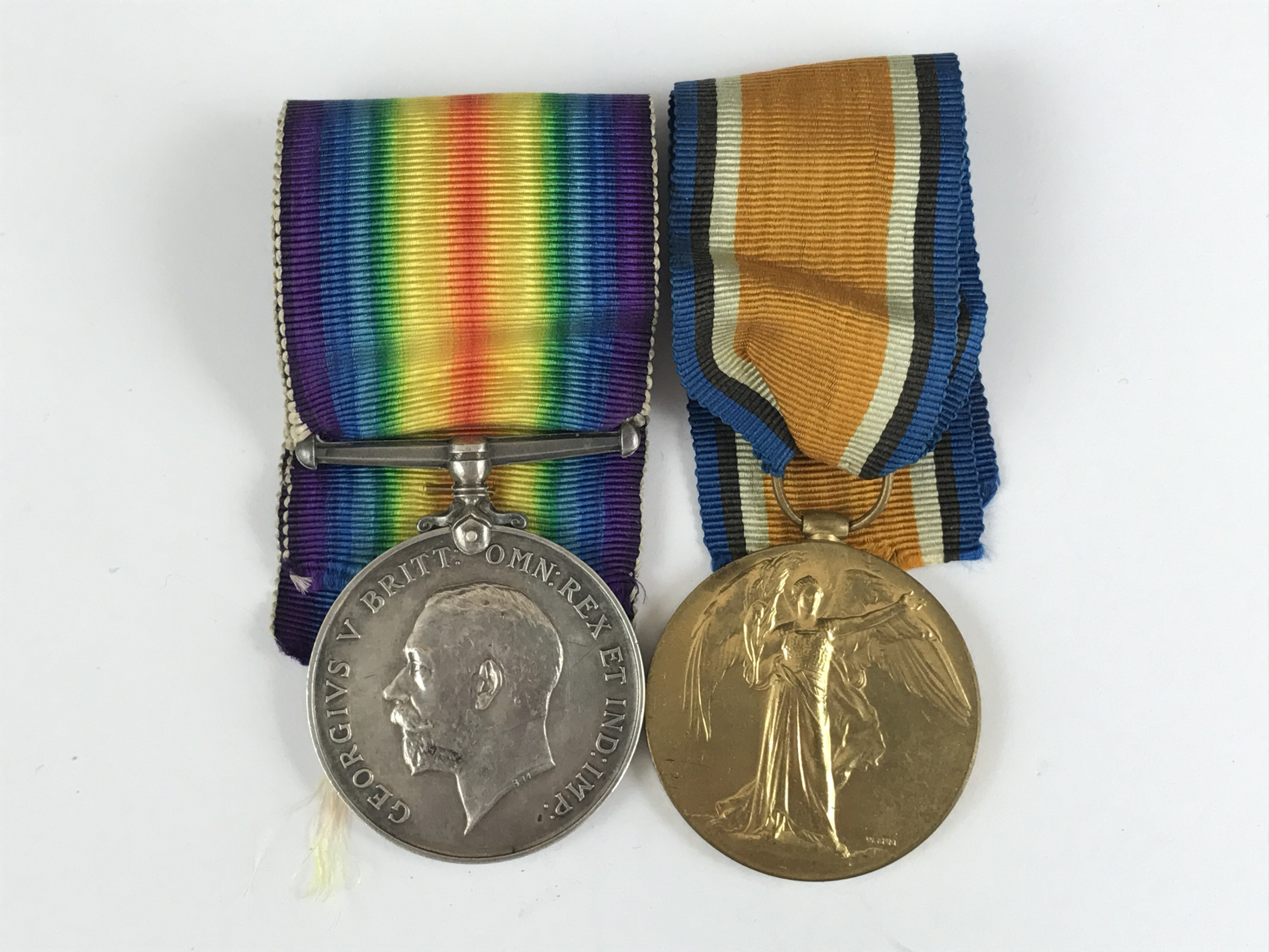 Lot 40 - A British War and Victory medal to 119508 Pte J Findlay, MGC