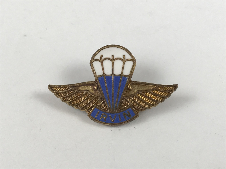 Lot 54 - A Second World War Irvin parachute badge