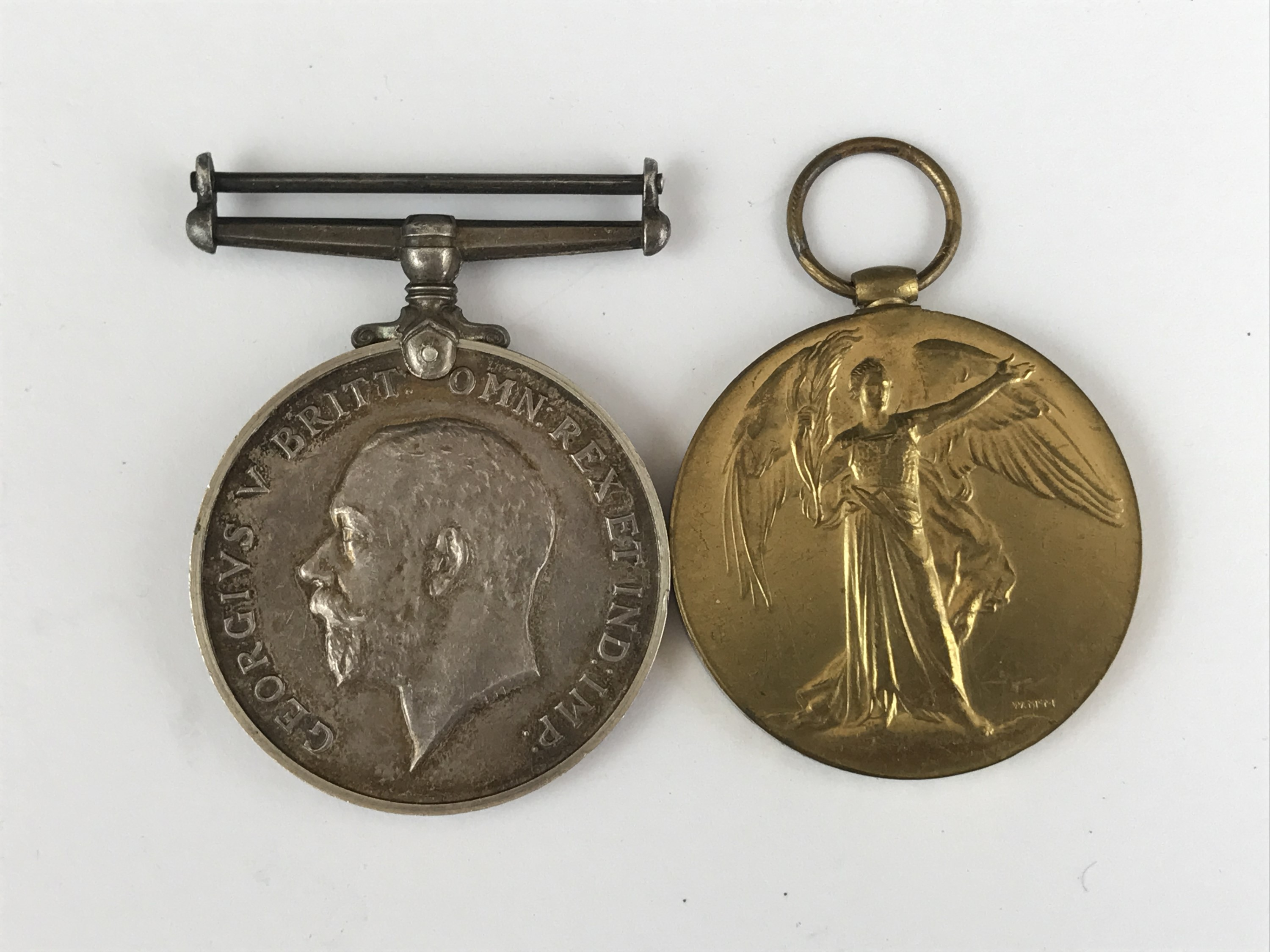 Lot 28 - British War and Victory medals to 2 Lieut R T Eaton