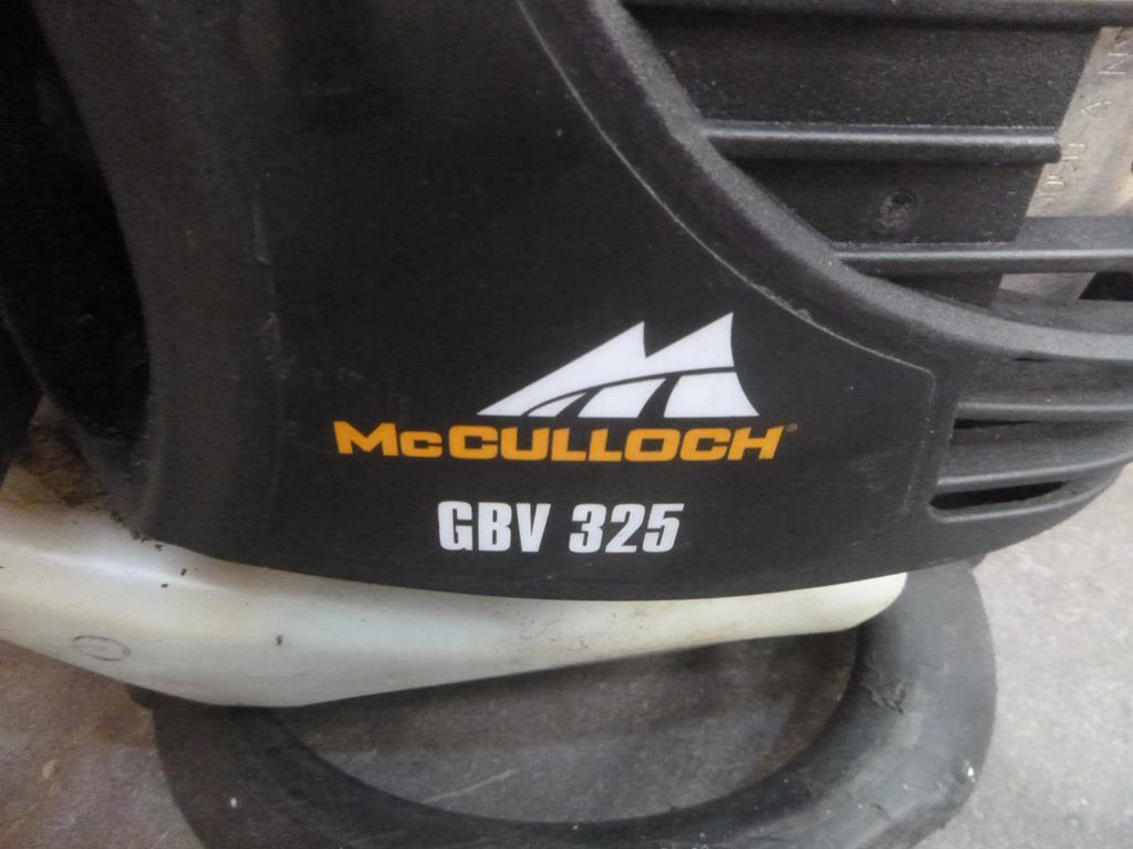 Lot 612 - McCulloch Petrol Blower