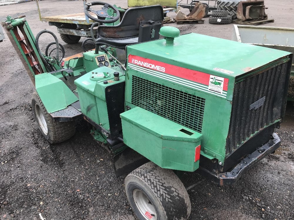 Lot 18 - RANSOMES HIGHWAY 213 TRIPLE MOWER, KUBOTA ENGINED when tested was seen to drive and mowers turned