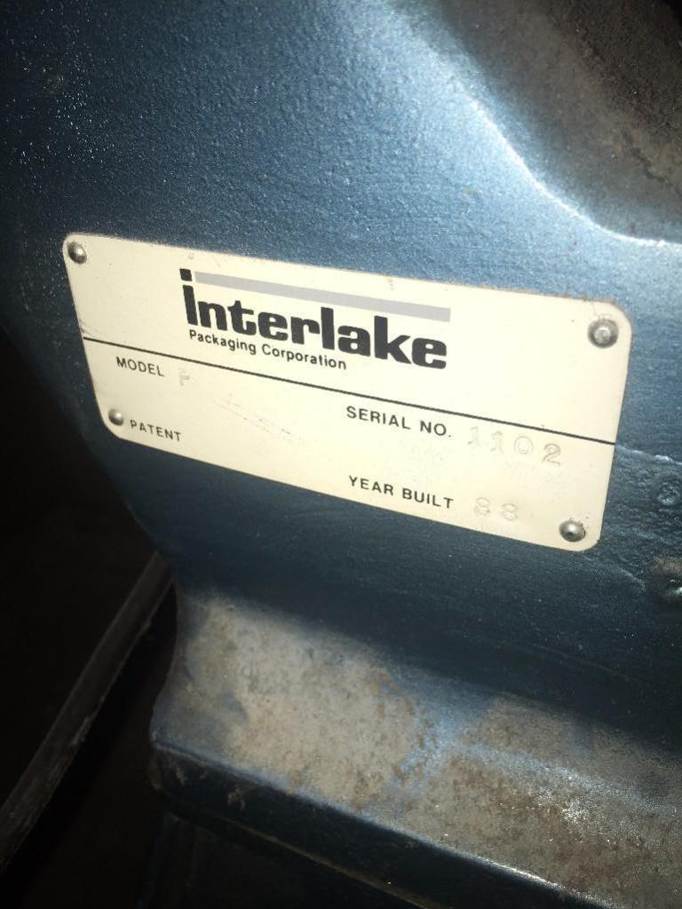 Lot 19 - INTERLAKE MODEL P 4 SPOOL STITCHER