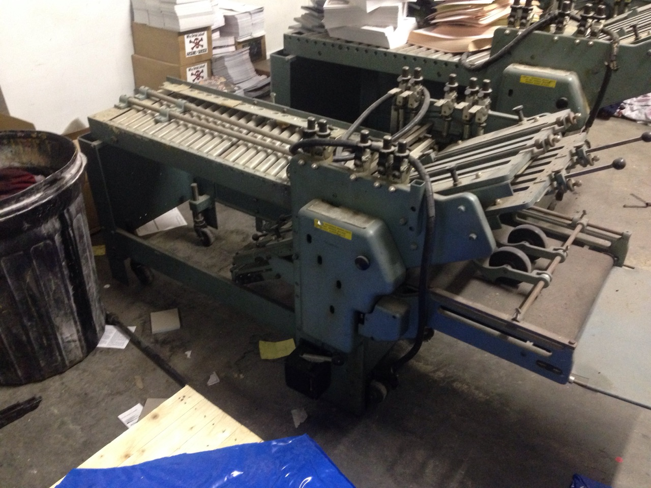 Lot 24 - BAUMFOLDER 26 INCH BY 40 INCH SERIES 726 PILE FOLDER