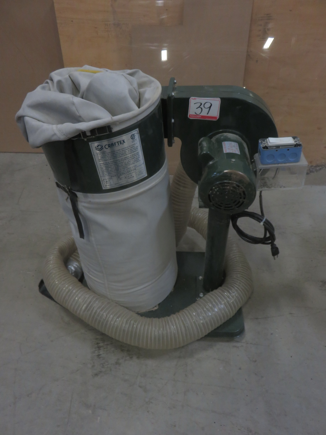 CRAFTEX B1140 BAG TYPE DUST COLLECTOR (120V)
