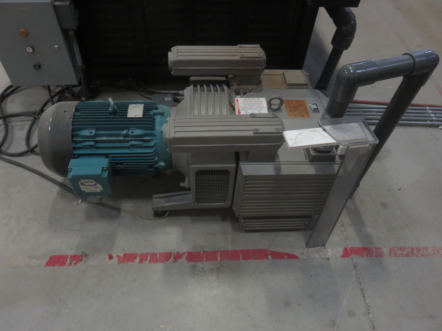 """AXYZ MODEL 4004 CNC ROUTER W/ 2004 BECKER VTLF 250 SK VACUUM PUMP, ES915 ROUTER & 72"""" X 60"""" TABLE - Image 7 of 8"""