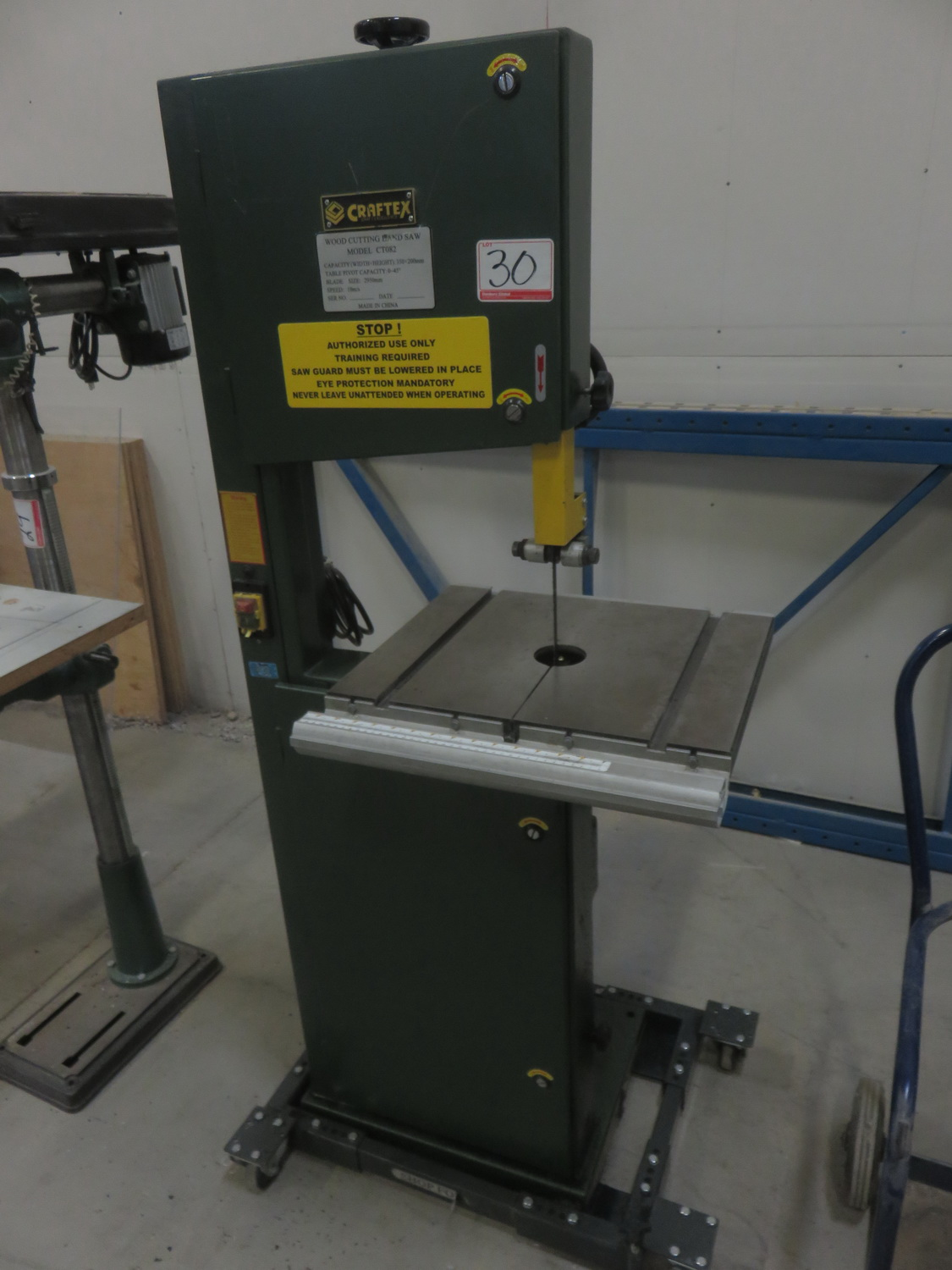 CRAFTEX CT082 350 X 200MM VERTICAL BAND SAW