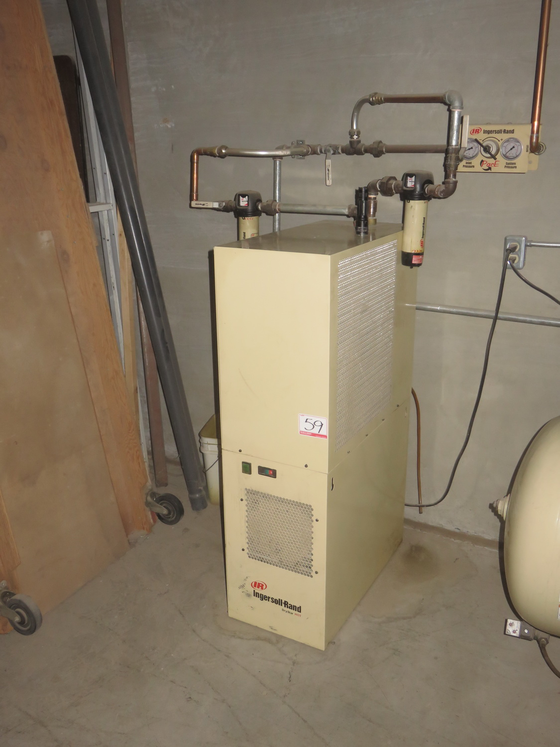 INGERSOLL RAND MODEL D550-H 115/1/60 REFRIGERATED AIR DRYER W/ FILTERS, S/N 2600920003